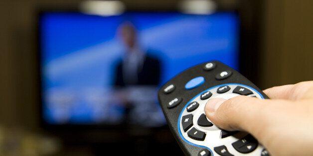 Pourquoi l'ouverture du secteur audiovisuel aux chaînes privées tarde à voir le