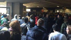 Files d'attente monstres pour la réouverture du hall des départs de l'aéroport de Bruxelles