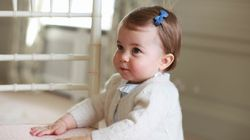 Les premiers pas de la princesse Charlotte dévoilés sur Facebook à la veille de son premier