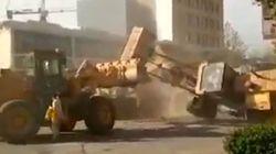 Duel épique entre bulldozers en