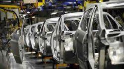 Bouchouareb: la signature de l'accord Peugeot-Citroen