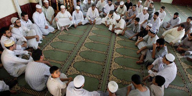 Loin de la politique, l'apprentissage du coran à la Zaouïa Ait Koufi aout 2012
