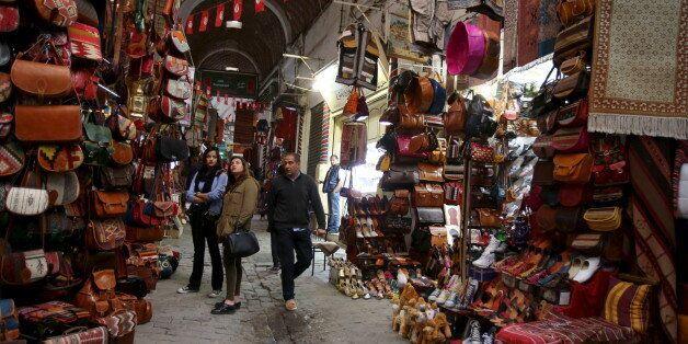 La médina de Tunis: Un monde où règnent les arts et