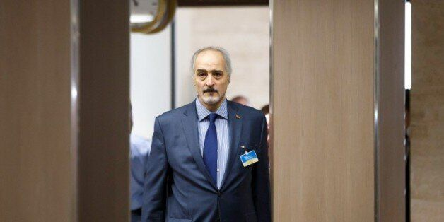 Le négociateur en chef, et ambassadeur de la Syrie aux Nations unies, Bachar al-Jaafari, arrive à une...