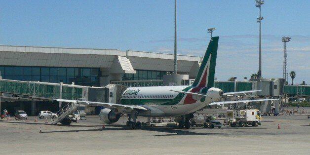 Un avion d'Alitalia à l'aéroport Houari Boumediene à
