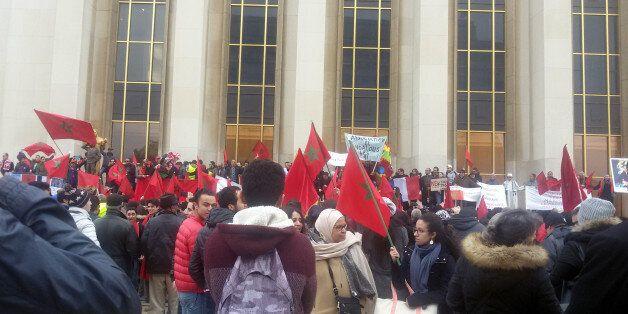 Un sit-in organisé au Trocadéro de Paris pour dénoncer les propos de Ban