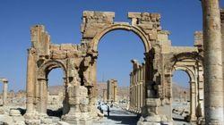 L'armée syrienne à l'entrée de la ville antique de