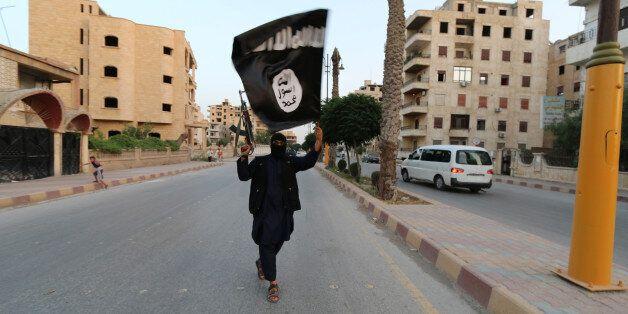 Un membre de l'État islamique à Raqa en Syrie en