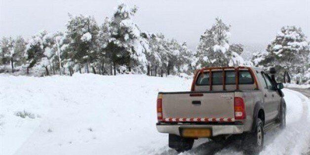 Plusieurs routes bloquées par la neige dans 5 wilayas du centre et de l'est du pays, selon la Gendarmerie
