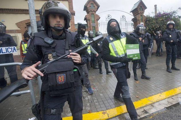 Agentes de la UIP en Cataluña durante el pasado