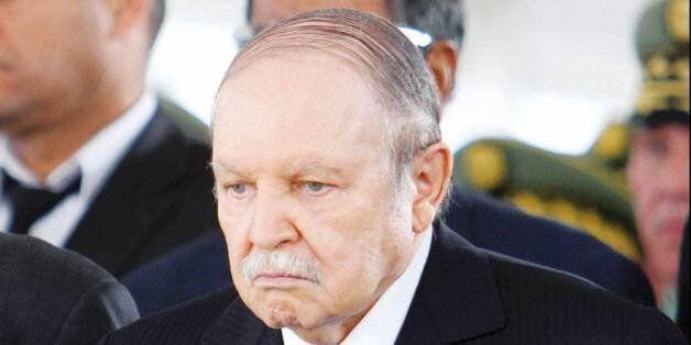 Président Bouteflika: le peuple algérien doit rester vigilant pour la sauvegarde du