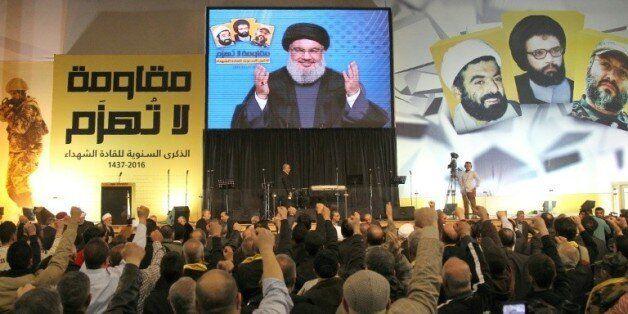 Le leader du Hezbollah libanais Hassan Nasrallah, sur un écran géant, s'adresse à la foule dans le sud...