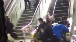 Un escalator provoque une gigantesque chute en