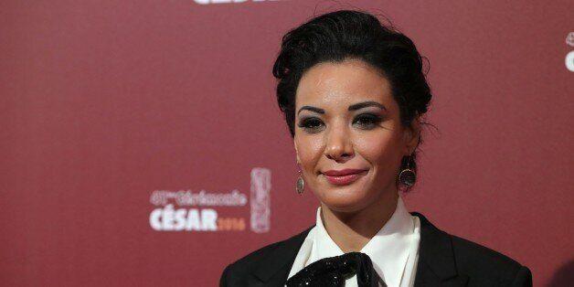 Loubna Abidar à son arrivée sur le tapis rouge des