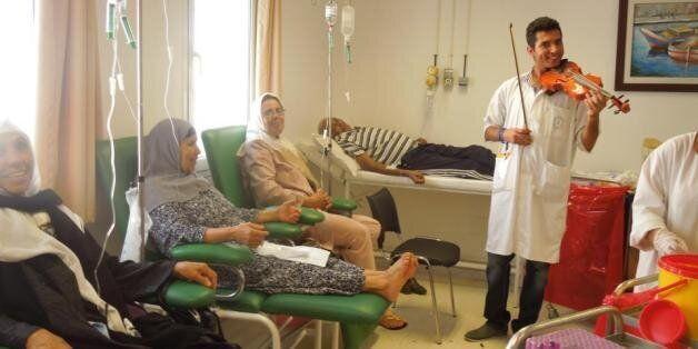 Tunisie: À l'Ariana, des médecins forment un groupe de musique au sein d'un hôpital pour aider les