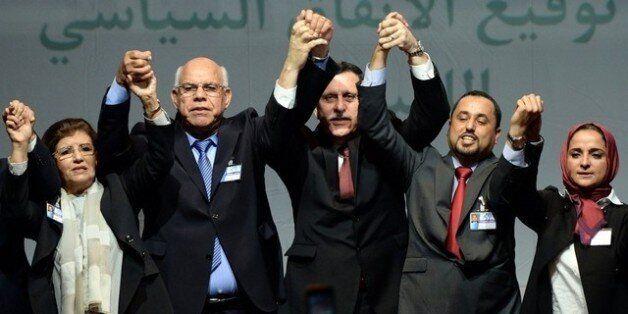 Libye: rencontre inattendue entre le chef du gouvernement d'union et le général