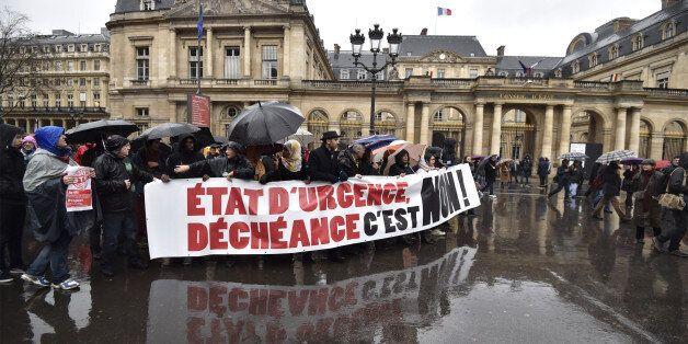 Manifestations contre déchéance de nationalité et état d'urgence dans les grandes villes de France