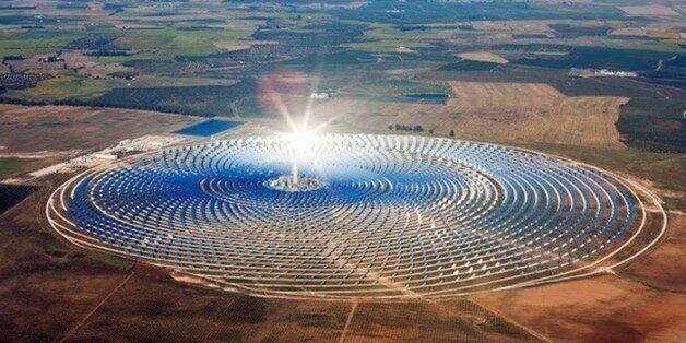 Le roi Mohammed VI inaugure la première centrale solaire Noor à