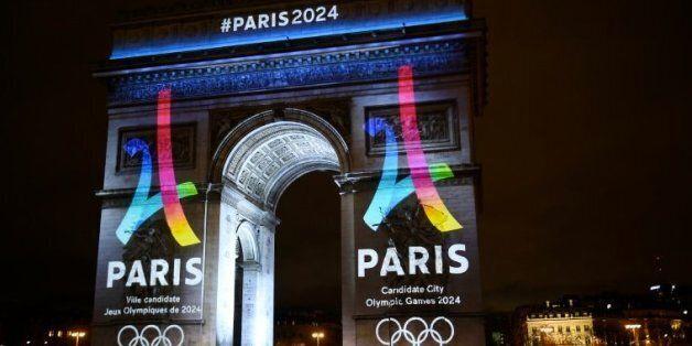 Paris mise sur une Tour Eiffel stylisée pour doper sa candidature aux JO