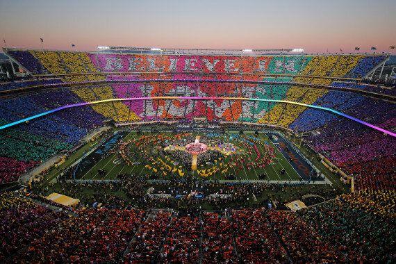 Beyoncé a failli chuter au Super Bowl 2016 (mais elle a quand même volé la vedette à Coldplay)