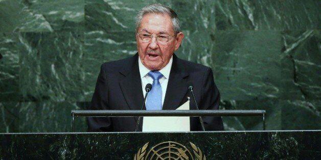 Raul Castro étrenne à Paris son rapprochement avec