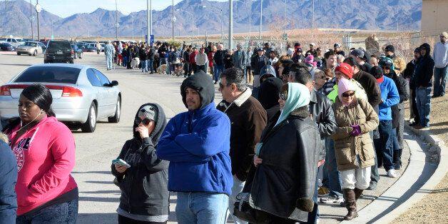 PHOTOS. Les files d'attente s'allongent pour acheter un ticket à la loterie américaine