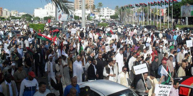 Des libyens manifestent à Tripoli