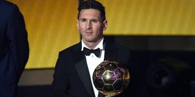 Lionel Messi remporte le Fifa Ballon d'Or 2015, le 5e de sa