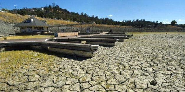 Un réservoir d'eau du lac Folsom asseché le 17 septembre 2015 près de Sacramento en