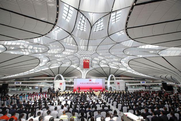 Άνοιξε και επίσημα το γιγαντιαίο νέο αεροδρόμιο του