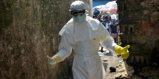 Ebola: l'OMS annonce la fin de l'épidémie en Afrique de