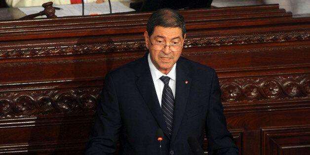 Le Premier ministre Habib Essid s'adresse au Parlement à Tunis, le 8 juillet