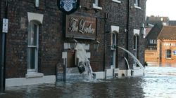 Inondations au Royaume-Uni: origine, coûts et