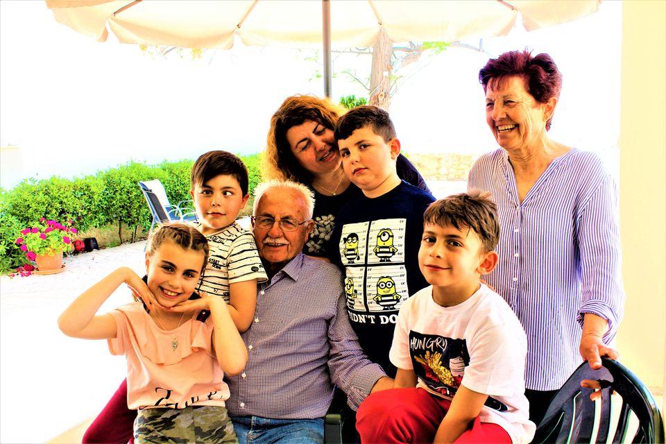 Κάμπος Ιρίων – iceberg story – Οικογένεια...