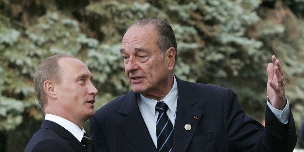 Vladimir Poutine rend hommage à Jacques Chirac, qui