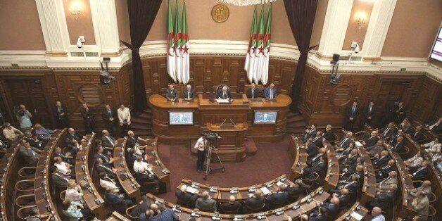 Renouvellement du tiers présidentiel au conseil de la nation: Zohra drif et Yassef Saadi