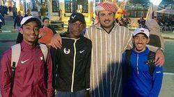 L'émir du Qatar se balade en djellaba à