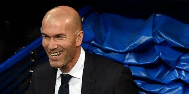 Espagne: Zidane réussit son entrée, Bale et Messi voient triple 22:55 - 09/01/16 © AFP L'entraîneur du...