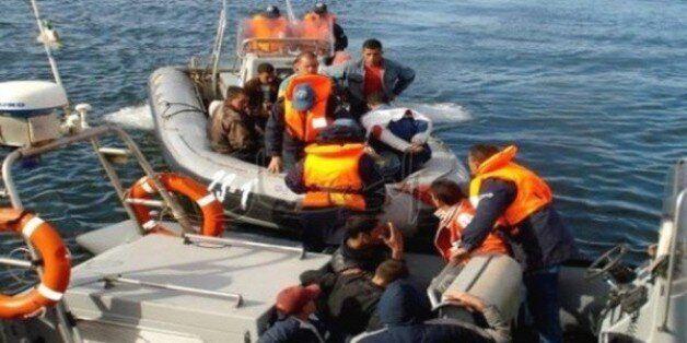 Deux tentatives d'émigration clandestine déjouées et 25 jeunes arrêtés à
