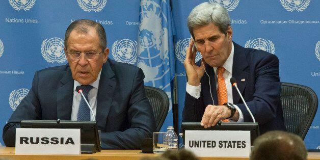 Sergueï Lavrov et John Kerry après la réunion du Conseil de