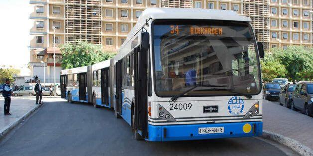 Alger: les bus bleus à l'arrêt, les employés de l'ETUSA en