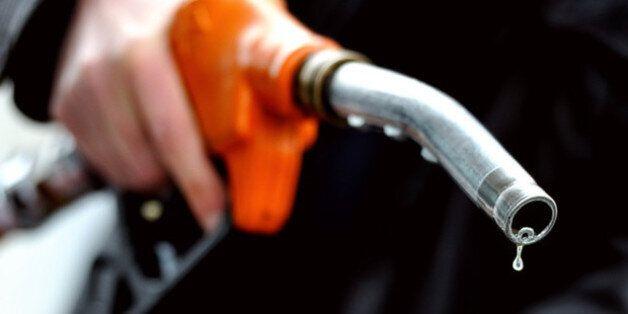 Contrebande des carburants: l'Algérie perd 2 millions de tonnes annuellement, soit plus de 13% de la...