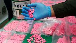 Αυστρία: Παρήγγειλε φόρεμα αλλά παρέλαβε 25.000 χάπια