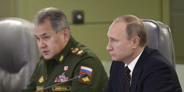 Absurde et démesuré, l'impressionnant déploiement militaire russe en Syrie laisse