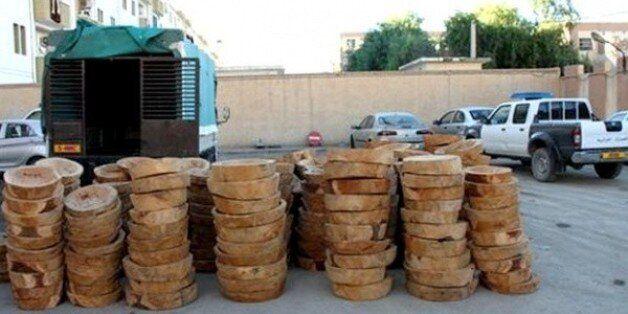 Saisie à Batna de 350 pièces semi-finies en bois provenant du cèdre de