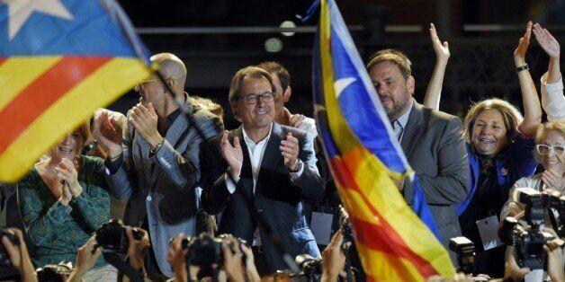 Artur Mas (c), président sortant du gouvernement catalan, lors des élections régionales en