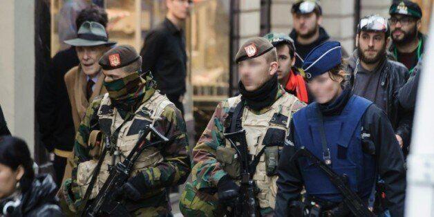 Policiers et militaires déployés le 20 novembre 2015 à