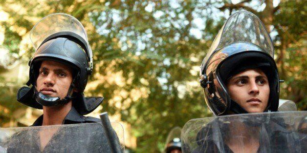 Des policiers égyptiens au Caire le 31 octobre