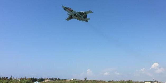 Syrie: Premier raid vraisemblablement russe sur