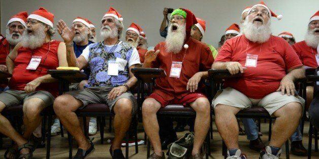 Les élèves de l'école de Père Noël de Rio de Janeiro (Brésil), le 27 octobre